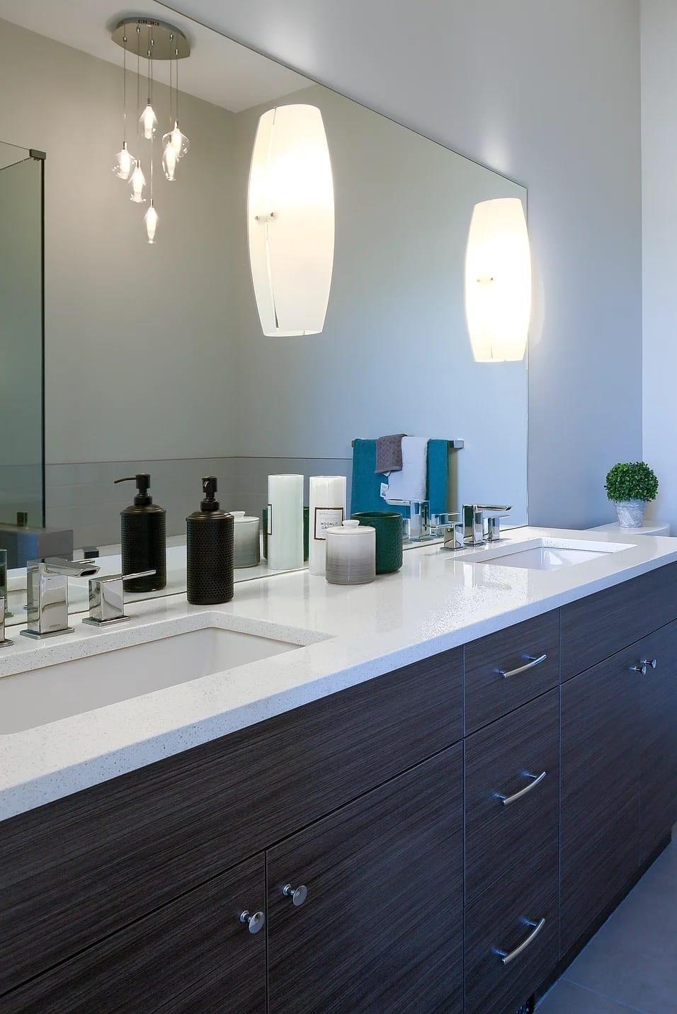 Dunbar Villas contemporary bathroom, built by Impact Builders